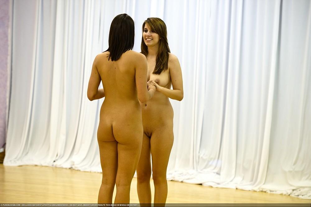 Голые Девушки Танцуют Смотреть Онлайн