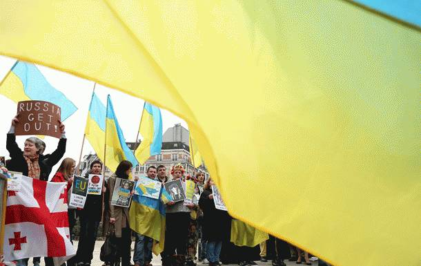 Украинские артисты должны выступать в Крыму: Известный режиссер возмутил соцсети своим заявлением