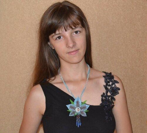 Альбом пользователя Юленька_Лебедь: Голубой цветок со сваровски13.JPG