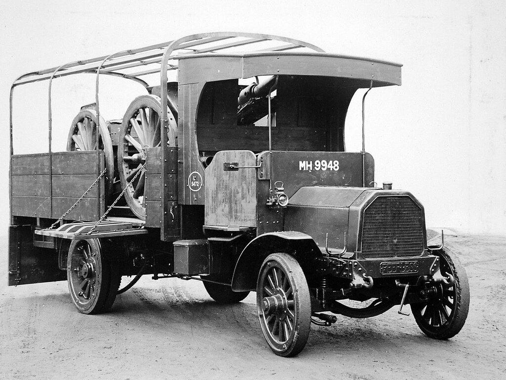 Peerless Lorry carrying 18 pounder gun and limber, 1925.