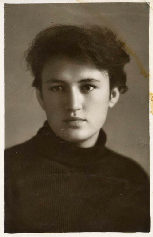 Нина Хитёва. Фото около 1957 года