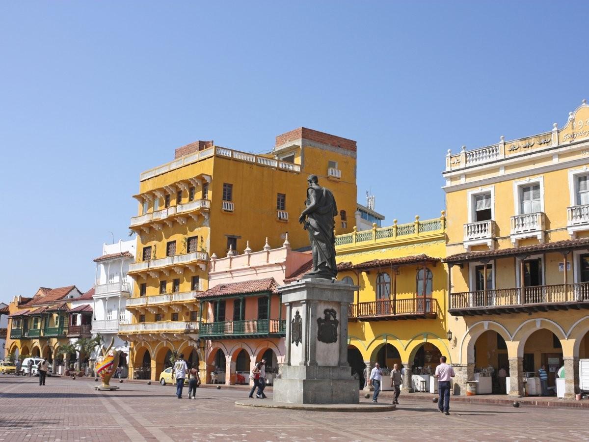 16. Пройдитесь по старым испанским колониальным улицам в Картахене, Колумбия.