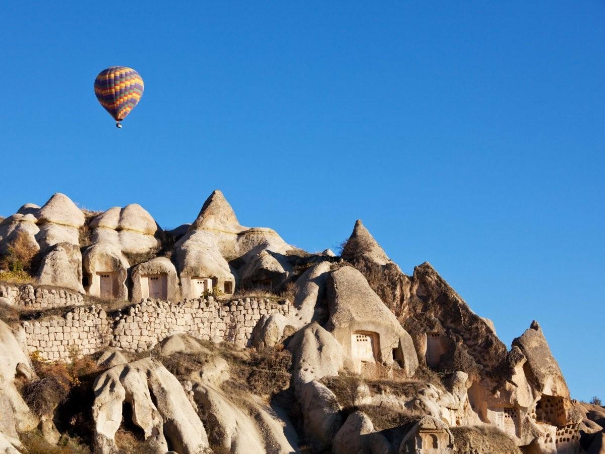 26. Исследуйте нереальные места в Каппадокии, Турция.