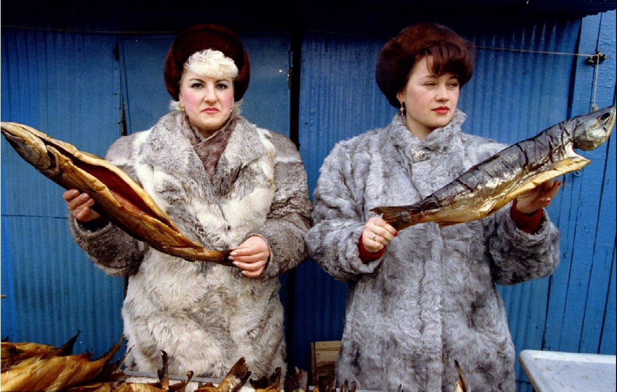Центральный рынок Петропавловска, март 1993 года.