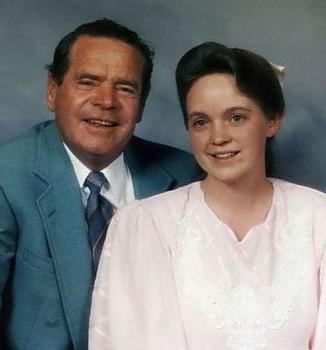 Муж Кэролайн был на тридцать лет ее старше и на момент побега имел еще шестерых жен, кроме нее. В ог