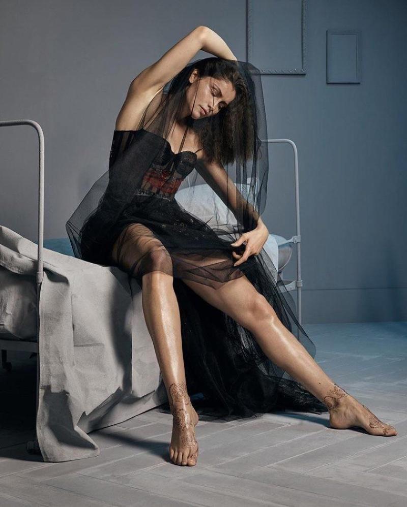Летиция Каста в Dior Magazine