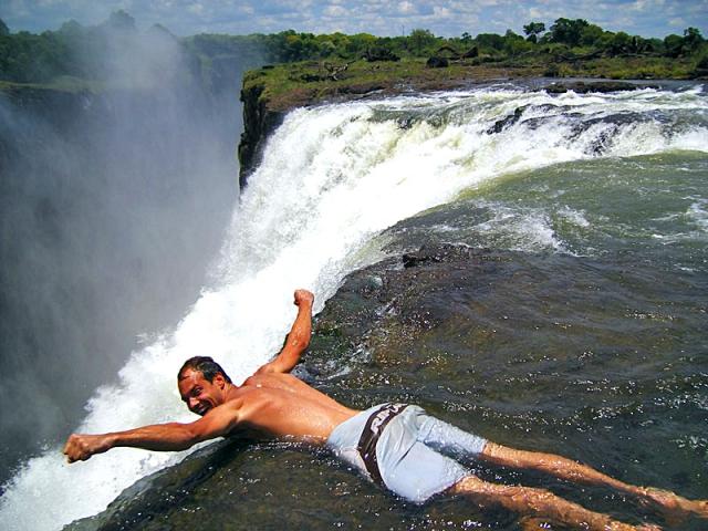 Сейчас водопад Виктория относится к объектам мирового наследия. Если будете в этих краях, обязат