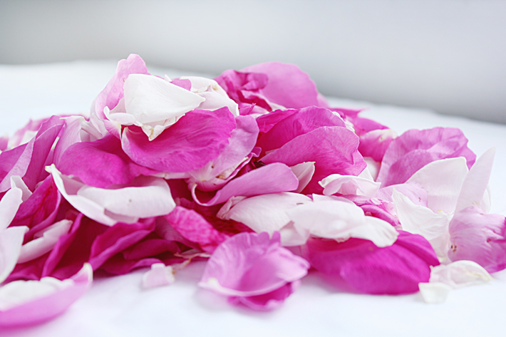 Розовая вода в домашних условиях | Slow Life Blog