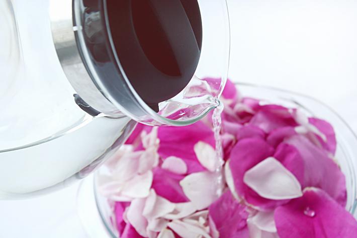 Розовая вода в домашних условиях   Slow Life Blog