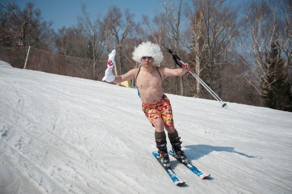 Веселый лыжный карнавал в Китае