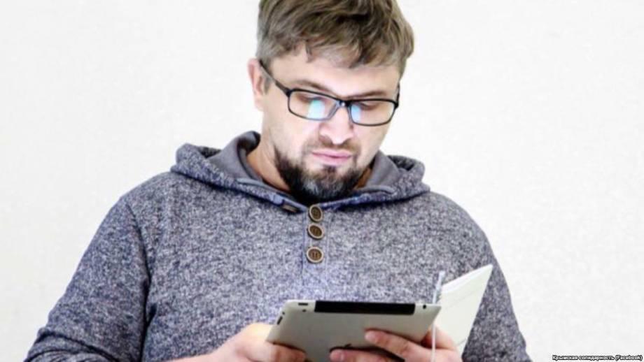 Обыски на оккупированном полуострове: крымскотатарского активиста увезли на допрос