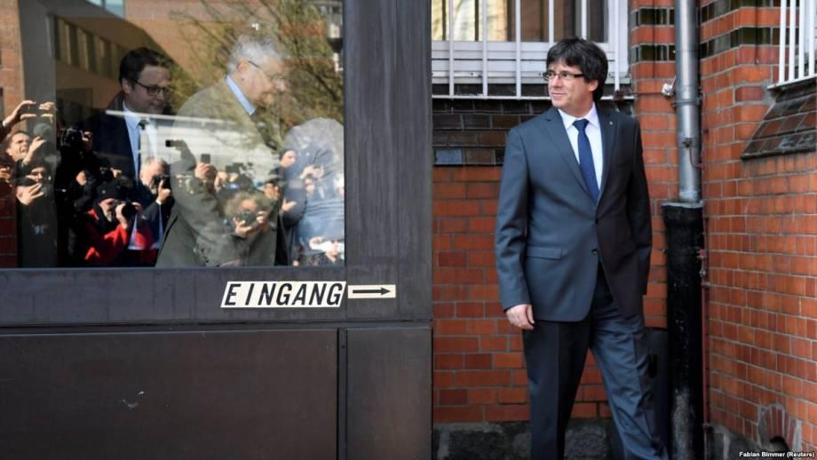 Экс-глава Каталонии вышел из тюрьмы и призвал власти Испании к переговорам