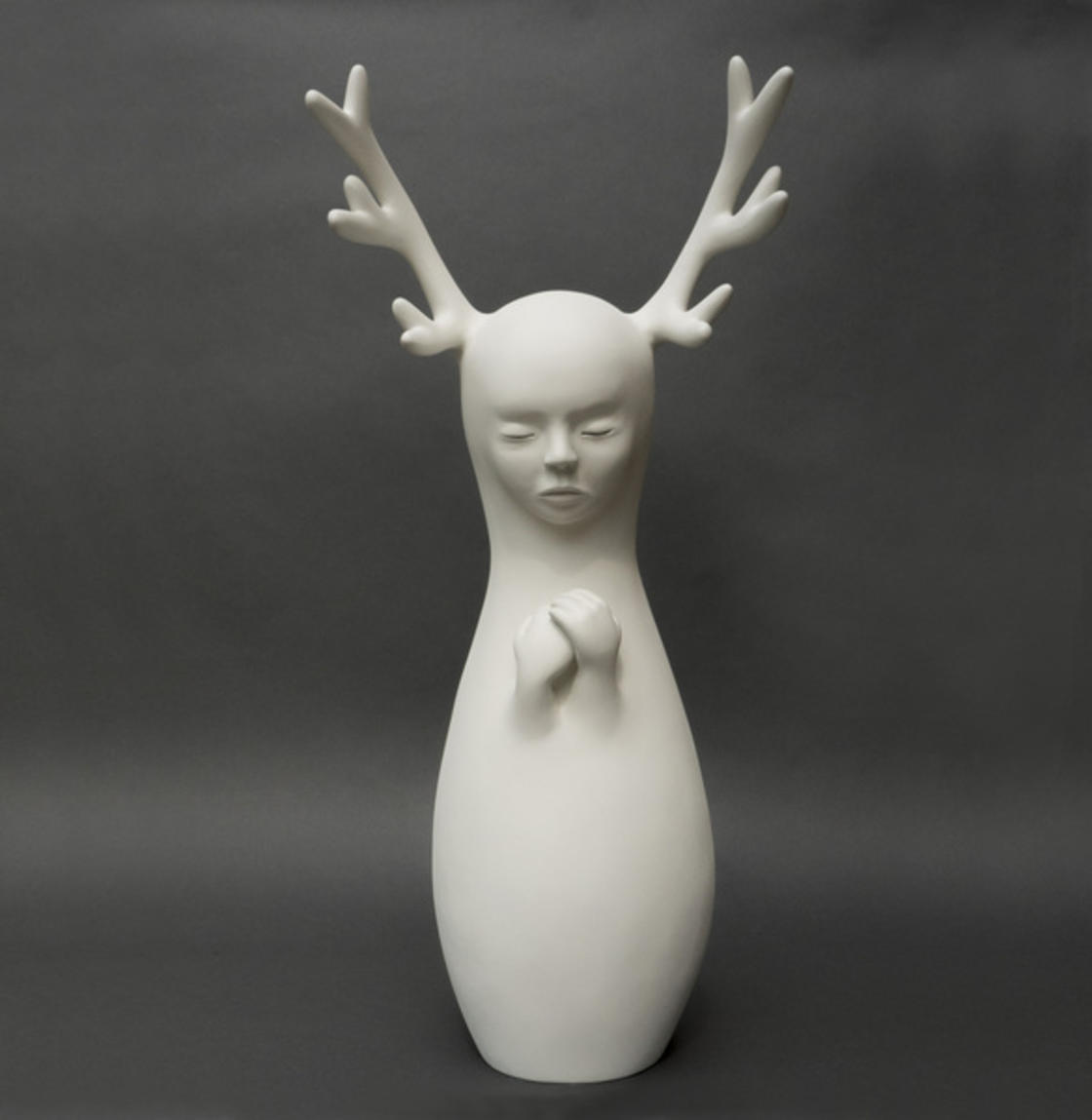 Petit silence – The delicate and enchanting sculptures of Clementine Bal