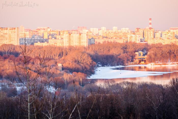 Фотографии города с рекой на закате