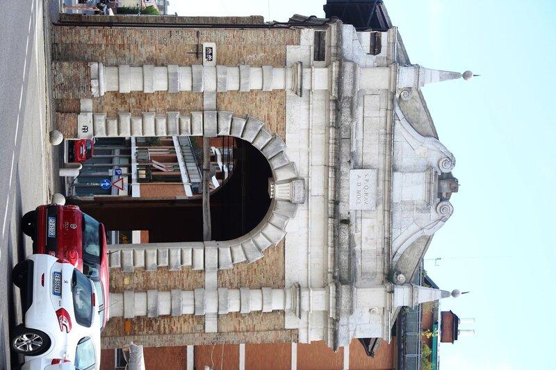 Равенна. Ворота Порта Серрата, крепость Бранколеоне, гробница Теодориха.