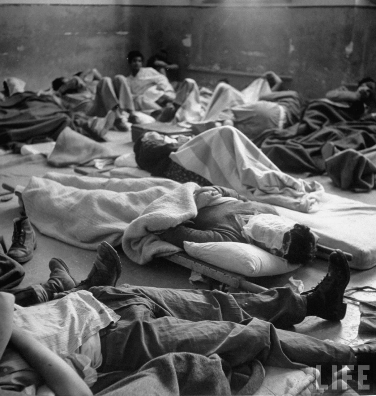 Еврейские солдаты лежат в больнице после сдачи Иерусалима. Июнь