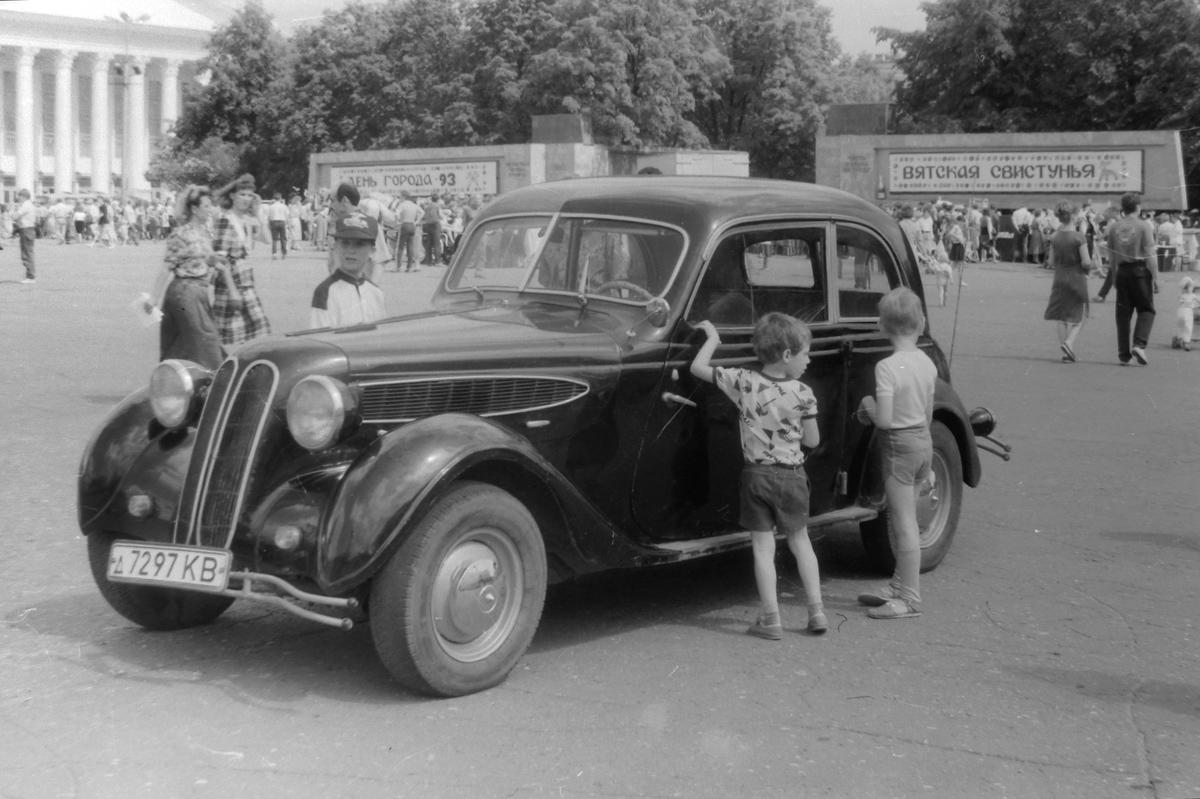 1993  Киров, автомотопробег 001.jpg