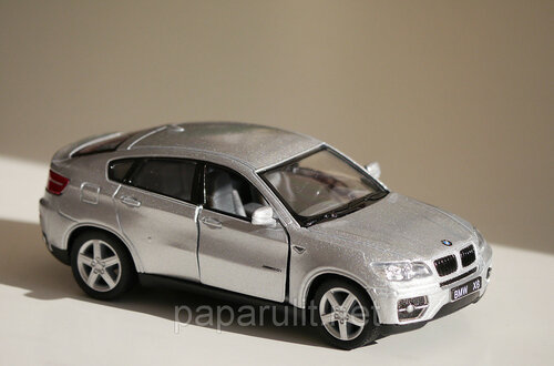 Машинка металлическая Kinsmart BMW X6