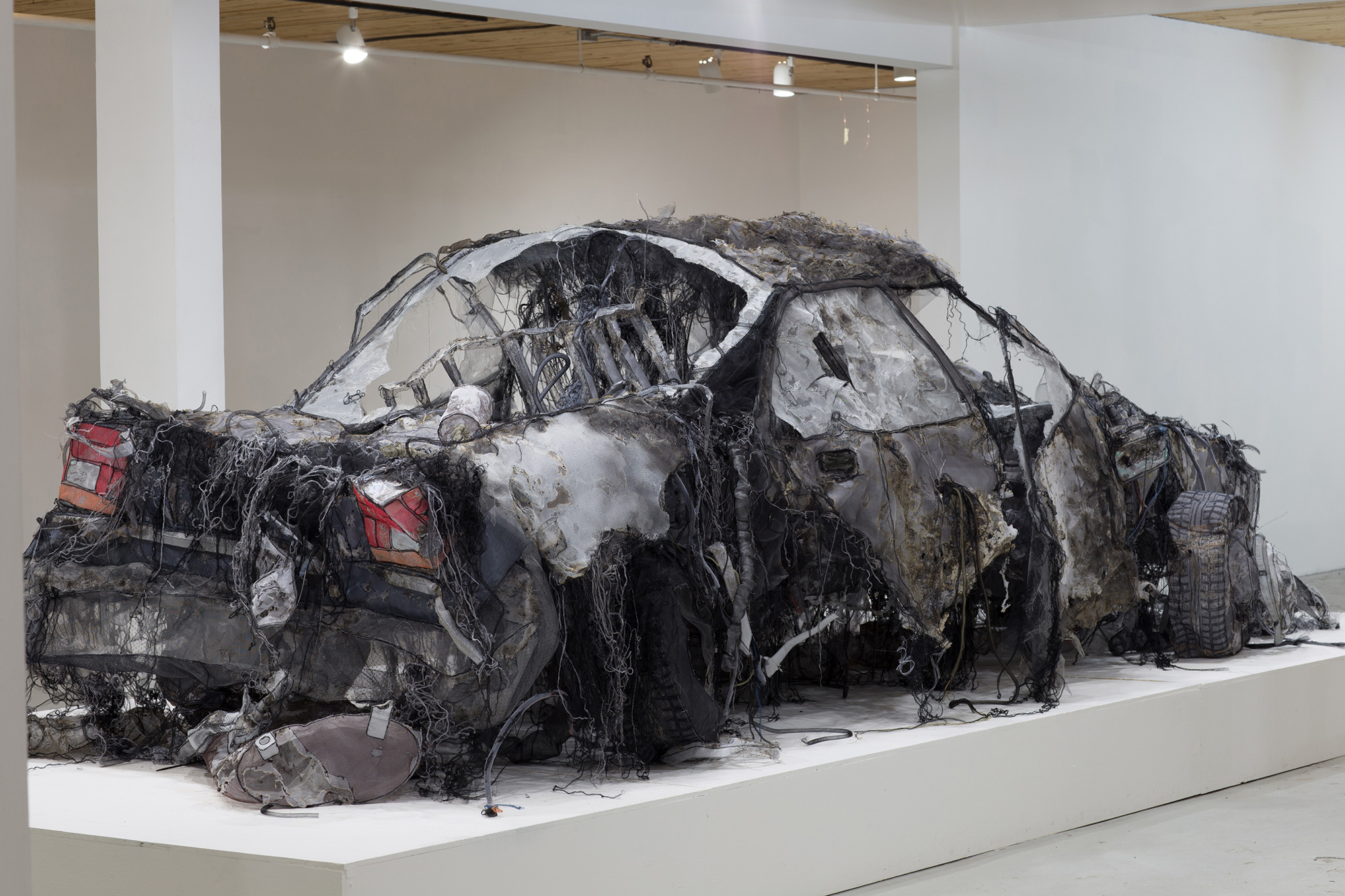 A Full-Scale Demolished Car Constructed From Silk, Aluminum Mesh, and Tulle by Jannick Deslauriers (8 pics)