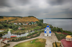 Вид на Волгу и Казанский храм