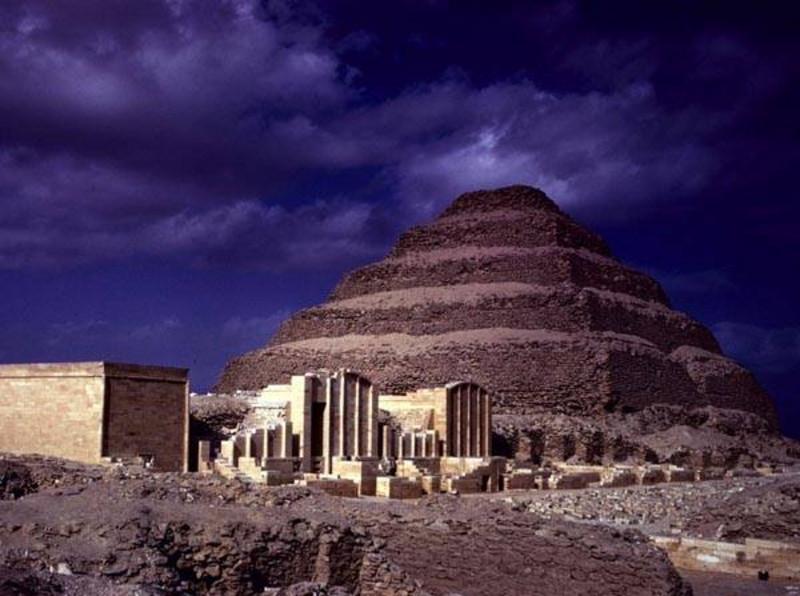 Тайна изогнутых камней: тысячелетний Храм Хефрена (5 фото)