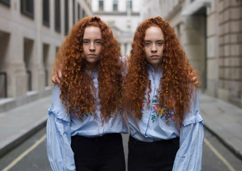 Так ли похожи близнецы, как кажется? Проект лондонского фотографа об уникальности близнецов (6 фото)