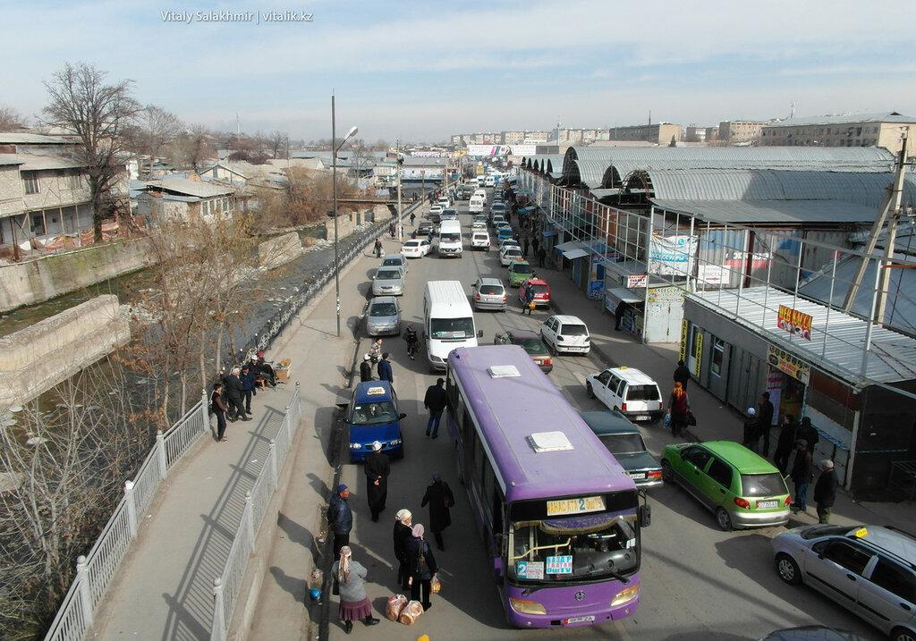 Автобусы, улица Акбуринская, Ош