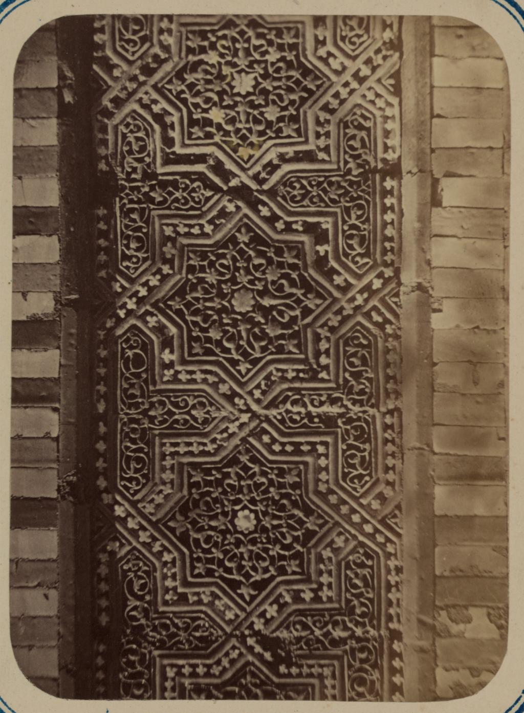 Мавзолей Ша-Арап. Часть отделки на фасаде