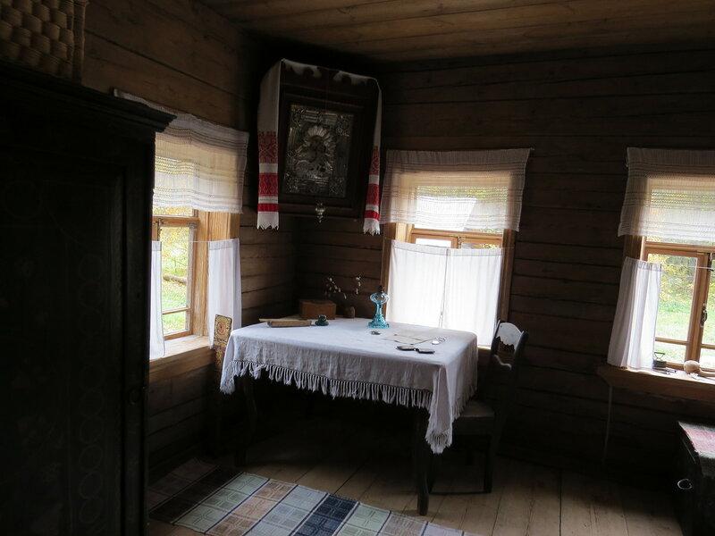 Икона в углу. Витославлицы в Великом Новгороде