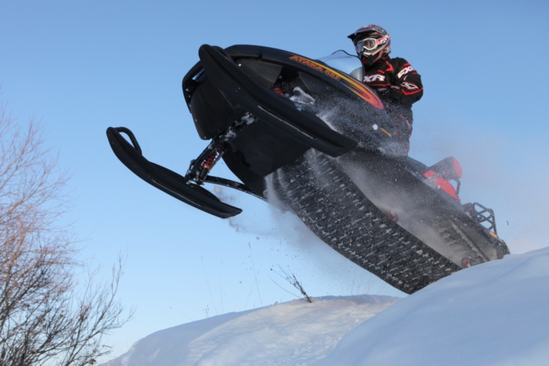 Способы ремонта рулевого управления и гусеничного движителя на снегоходе Тайга