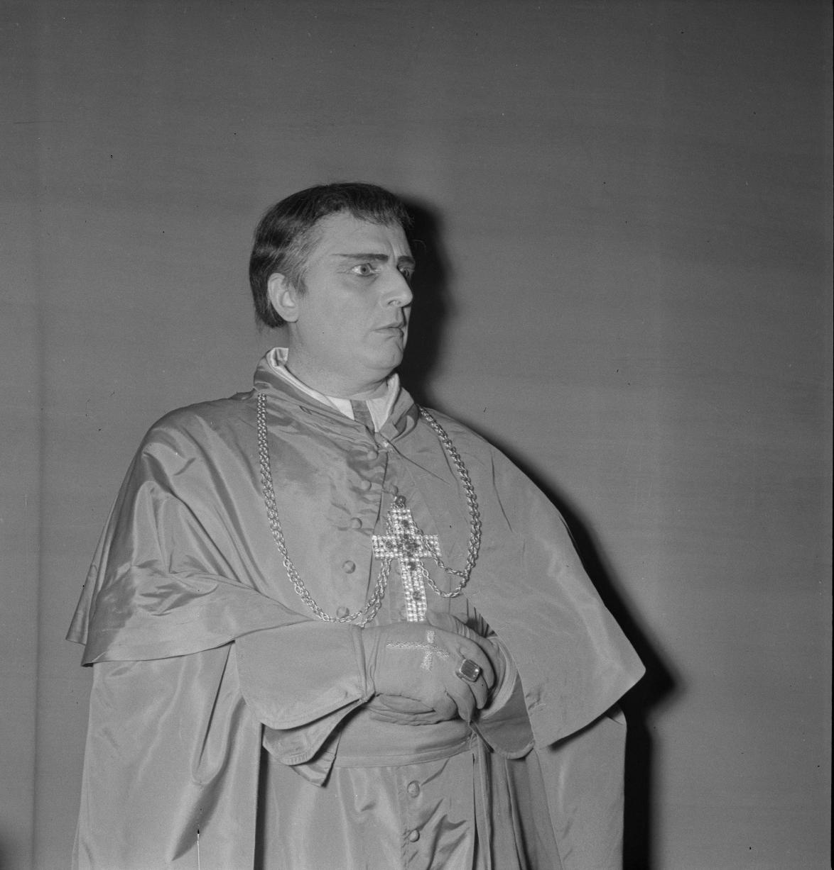 14. Кардинал Карло Борромео, 1-й акт, Хосе Бекманс, баритон