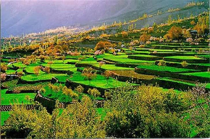 местный быт образ жизни питание продолжительность рай на земле речная долина Хунза