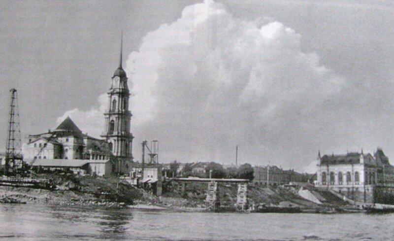 1958 Строительство моста через Волгу.jpg