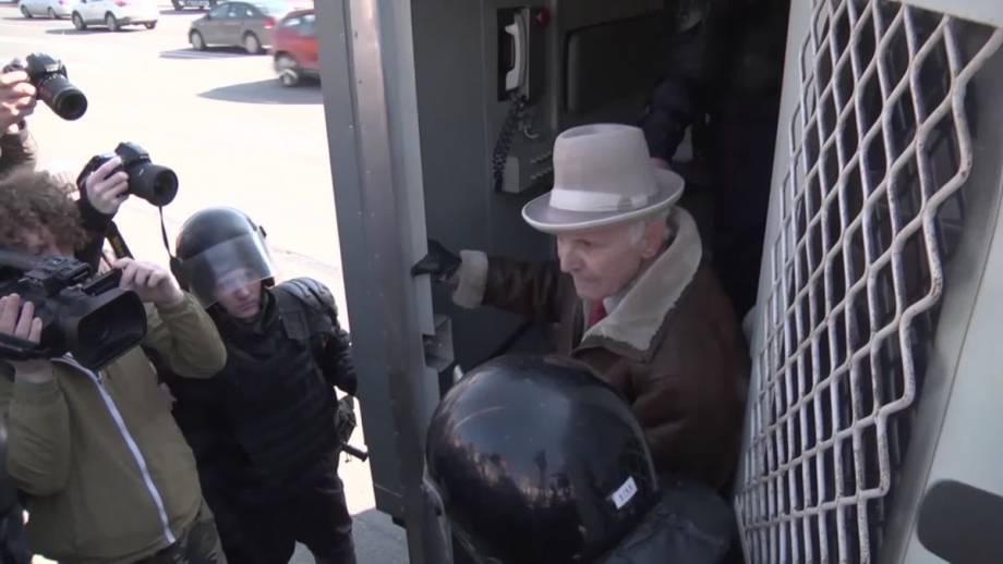 «Праздничные» задержания до Дня воли в Беларуси (видео)