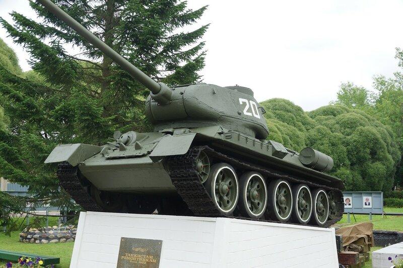 Памятник Т-34-85