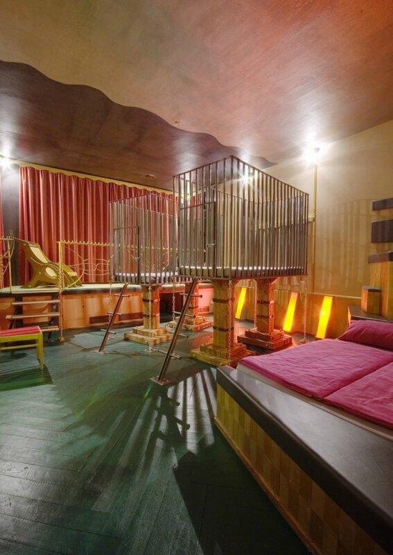 Самый странный отель в Берлине