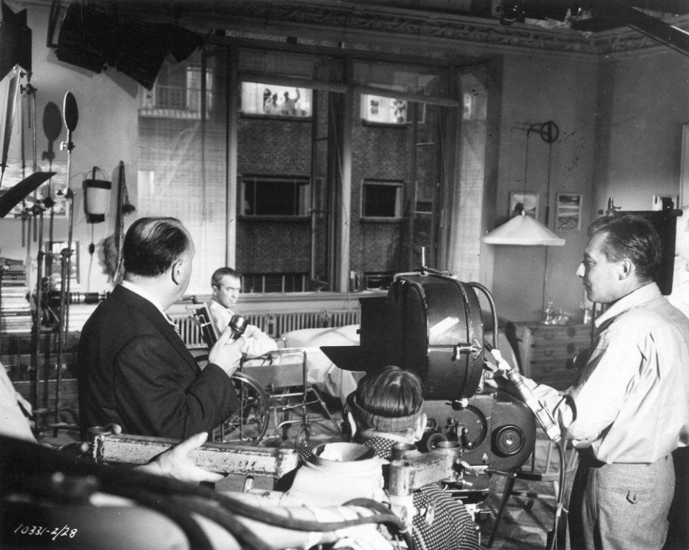 Фотографии со съёмок культового фильма Альфреда Хичкока «Окно во двор»