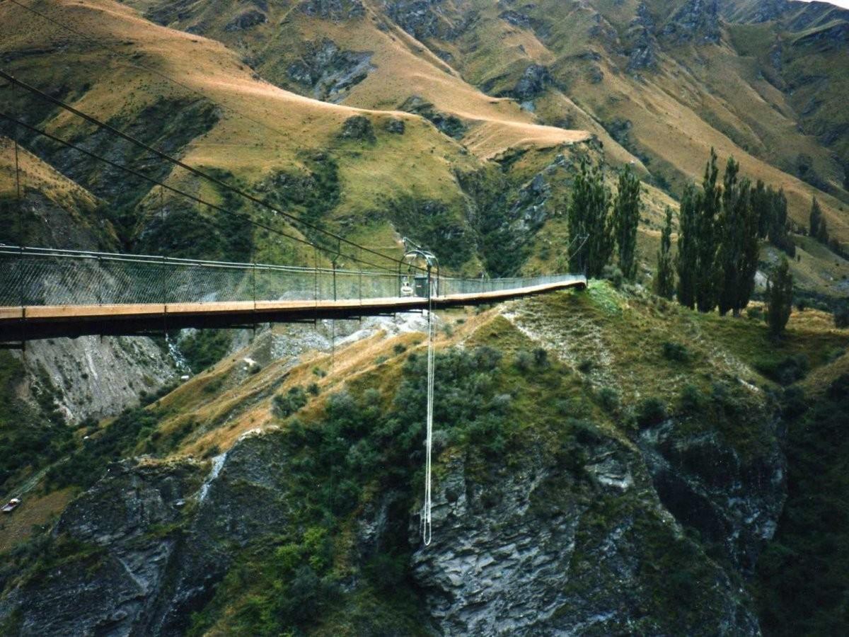 85. Займитесь банджи-джампингом в Квинстауне, Новая Зеландия, — мировой столице приключений.