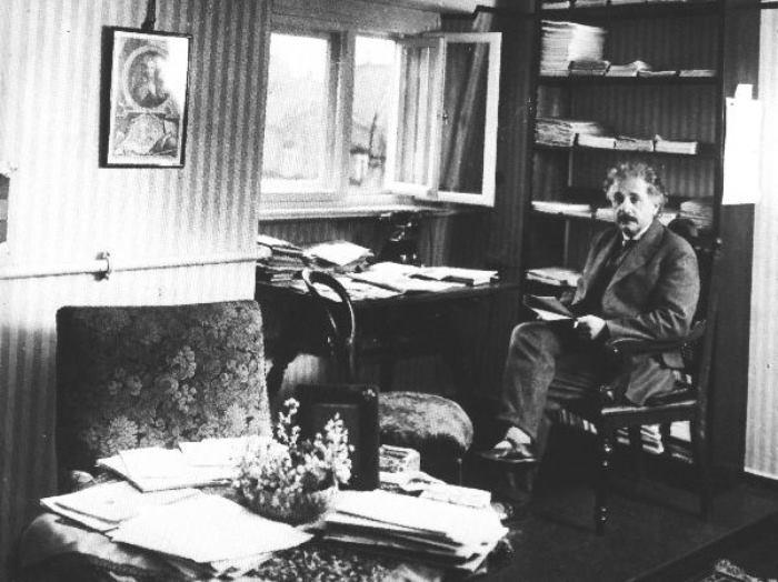 Теория издевательства: чего натерпелись жены Альберта Эйнштейна