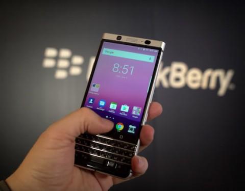 Конечно, азиатские гиганты вроде LG или Samsung, если и пошатнутся, то ещё нескоро, но многим америк