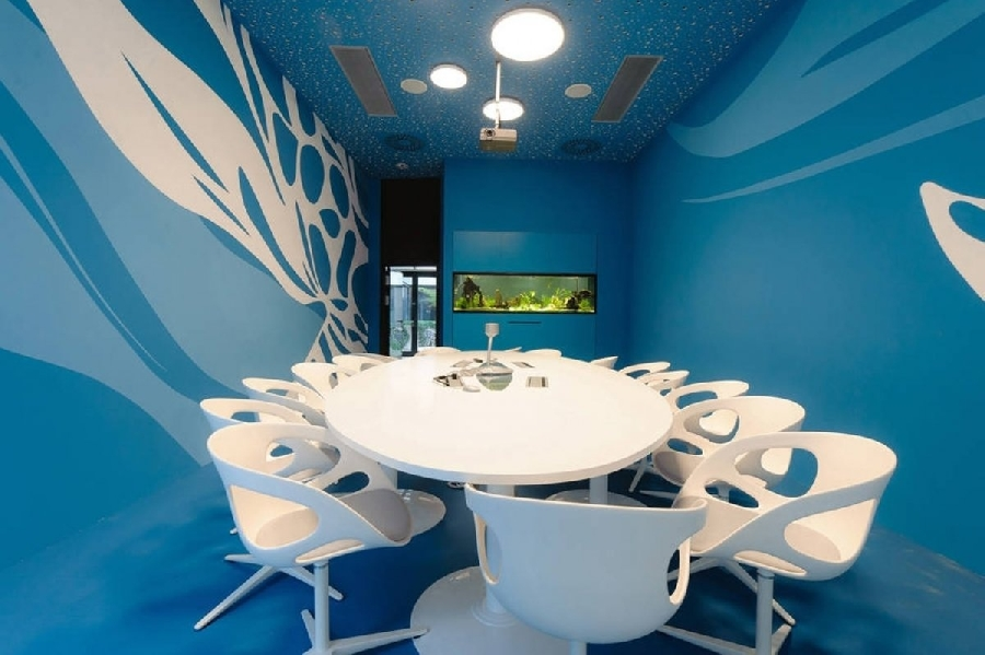 2. Офис Microsoft в Вене Офис Microsoft в Вене выделяется необычным конференц-залом в сине-белых тон