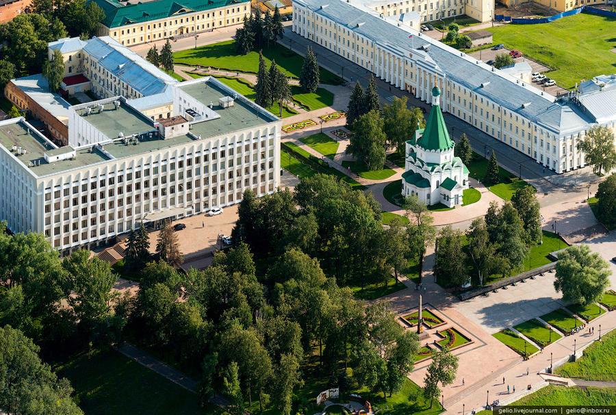 5. Кремль, корпус 1, в котором сидит губернатор Нижегородской области.