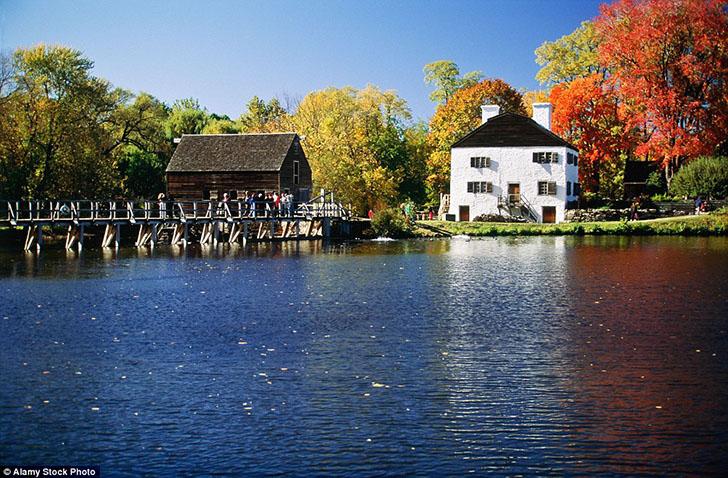 Поселение Сонная лощина в штате Нью-Йорк в конце 1800-х годов было известно как Северный Тарритаун,