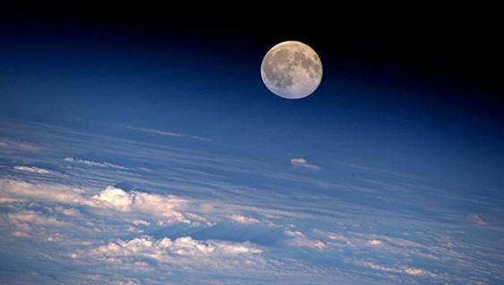 Луна создалась из«кусочков» Земли— Ученые