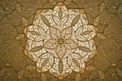 Завораживающие потолки исламских храмов.