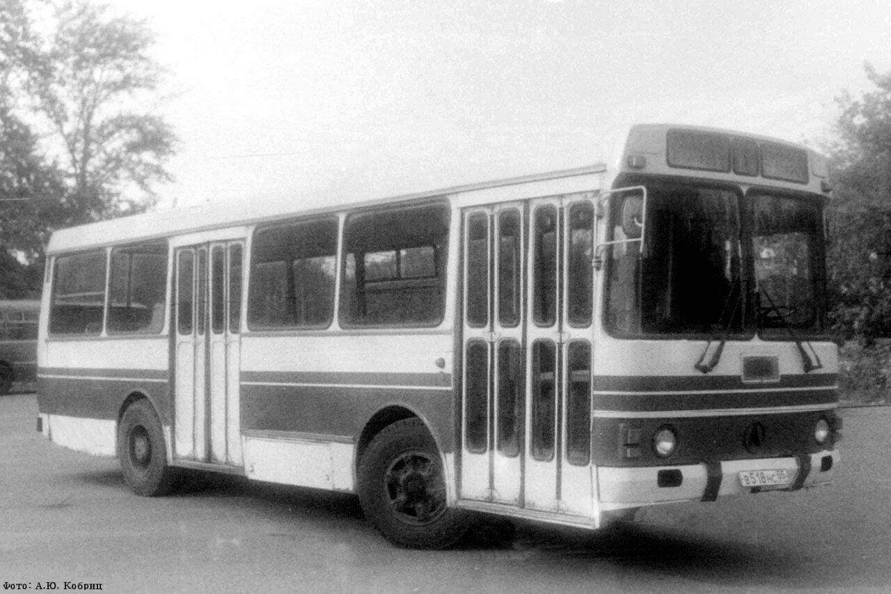 ЛАЗ-42021 1.jpg