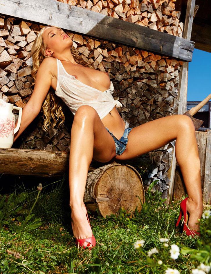 Karolina Witkowska / Playboy Germany - Oktoberfest 2014 Special Edition