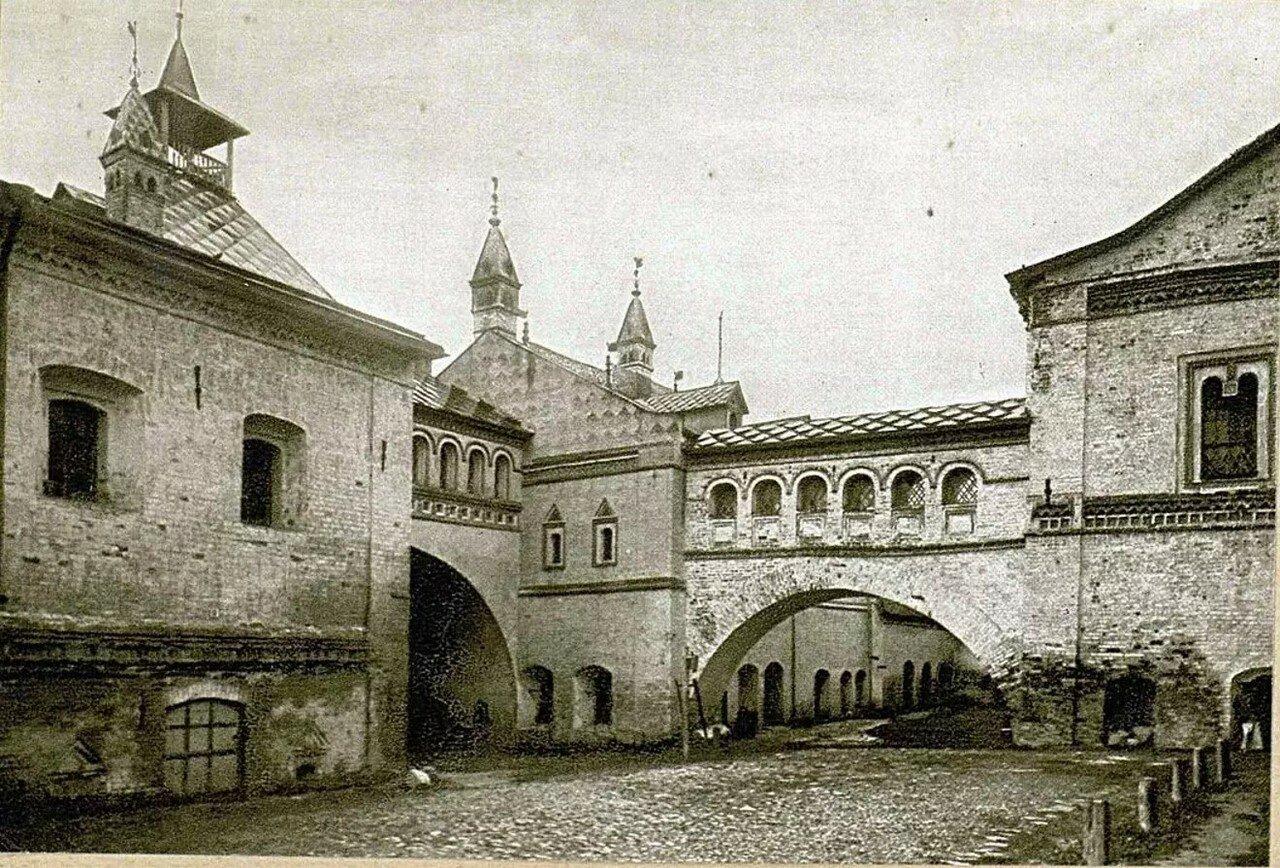 Кремль. Ионинская палатка, княжьи терема и переходы в Отдаточную палату