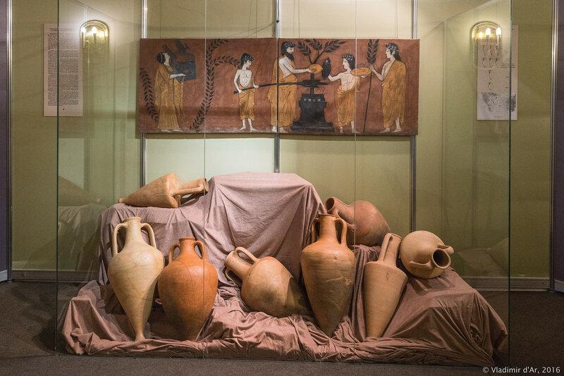 Амфорный комплекс конца V в. до н.э. Из раскопок поселения Голубикая 2.
