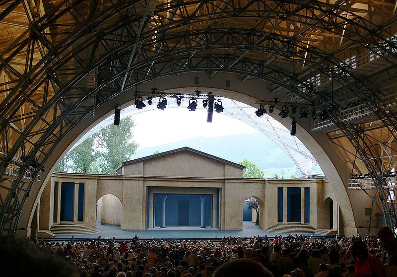 800px-Oberammergau_Passionstheater_2010_3.jpg